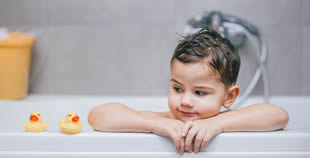 L'eczema infantile è a prova di bagnetto